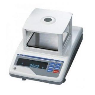 Весы лабораторные GX-600 (НПВ=610 г; d=0,001 г)