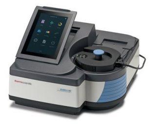 Спектрофотометр 190-1100 нм, расщепленный луч, спектральная щель 2 нм, методики определения ДНК / белков, Biomate 160