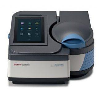 Спектрофотометр 325-1100 нм, расщепленный луч, спектральная щель 5 нм, возможность оснащения автосемплером, Genesys 140